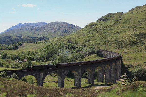 The ''Jacobite'' crosses the Glenfinnan viaduct
