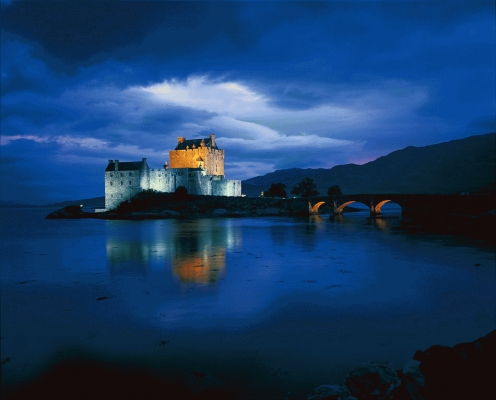 Eilean Donan Castle at twilight
