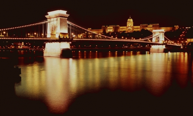 Hungary: The Sczecheny Bridge, Budapest