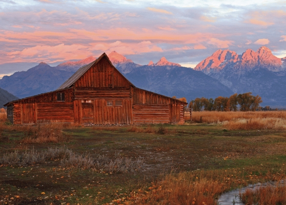 USA: Moulton Barn and the Teton mountains 2