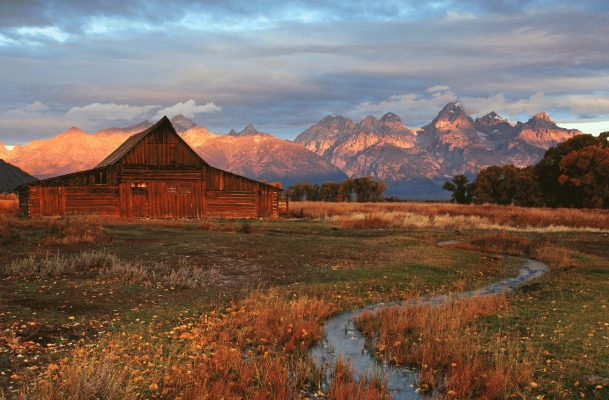 USA: Moulton Barn and the Teton mountains 3